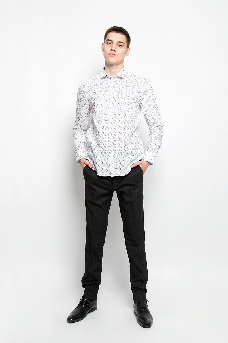 Рубашка мужская Mexx, цвет: белый. MX3024532_MN_SHG_007. Размер XXL (56)MX3024532_MN_SHG_007Мужская хлопковая рубашка Mexx подчеркнет ваш вкус и поможет создать стильный образ. Материал изделия тактильно приятный, позволяет коже дышать, не стесняет движений, обеспечивая комфорт при носке. Рубашка с отложным воротником и длинными рукавами застегивается на пуговицы по всей длине. Модель имеет слегка приталенный силуэт. На манжетах предусмотрены застежки-пуговицы. Изделие оформлено контрастным принтом.Такая модель займет достойное место в вашем гардеробе!