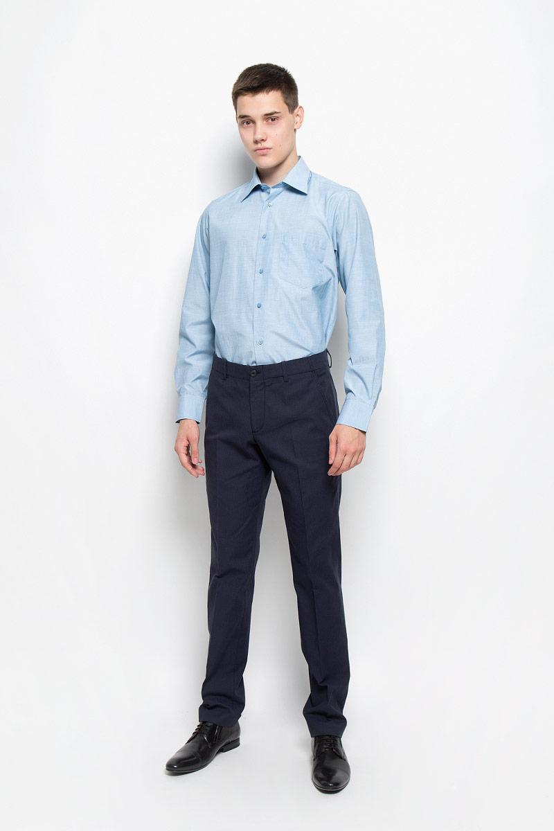 Рубашка мужская BTC, цвет: голубой. 12.014863. Размер 58-17612.014863Мужская рубашка BTC изготовлена из хлопка с добавлением полиэстера. Ткань изделия мягкая, тактильно приятная, не сковывает движения и хорошо пропускает воздух. Рубашка с отложным воротником и длинными рукавами застегивается спереди на пуговицы по всей длине. На манжетах предусмотрены застежки-пуговицы. Модель дополнена на груди накладным карманом. Рубашка будет дарить вам комфорт в течение всего дня и станет отличным дополнением к вашему гардеробу!