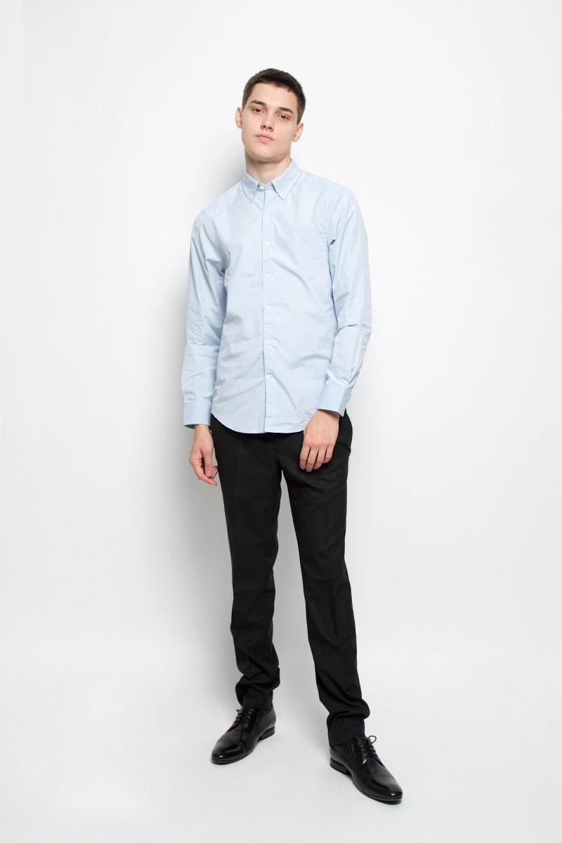 Рубашка мужская Mexx, цвет: серо-голубой. MX3020014_MN_SHG_002. Размер S (48)MX3020014_MN_SHG_002Мужская рубашка Mexx изготовлена из натурального хлопка. Ткань изделия мягкая, тактильно приятная, не сковывает движения и позволяет коже дышать. Рубашка с отложным воротником и длинными рукавами застегивается спереди на пуговицы по всей длине. На манжетах и воротнике предусмотрены застежки-пуговицы.Рубашка будет дарить вам комфорт в течение всего дня и станет стильным дополнением к вашему гардеробу!