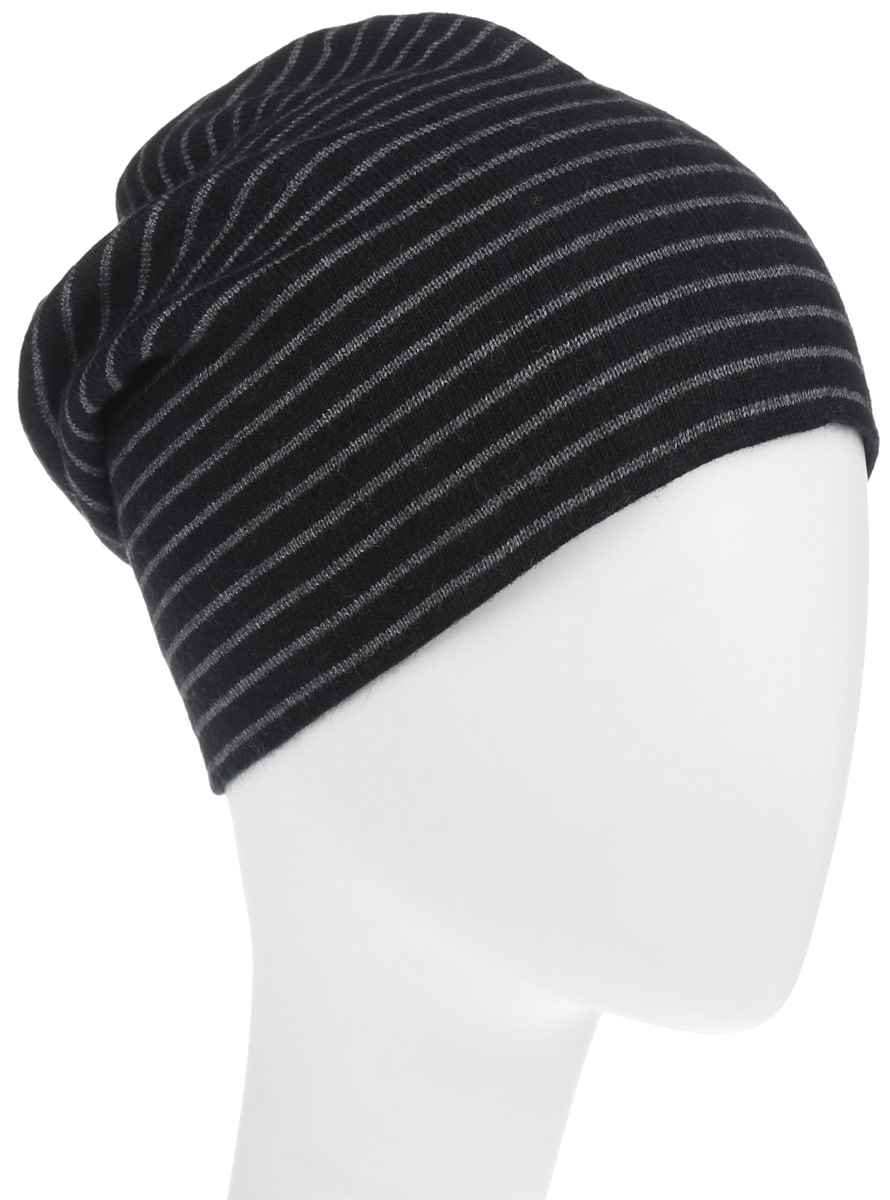 Шапка мужская Sela, цвет: черный, серый меланж. HAk-241/005-6302. Размер 57/59HAk-241/005-6302Классическая мужская шапка Sela наполовину состоит из вискозы и отлично дополнит ваш образ в прохладную погоду. Сочетание вискозы и шерсти максимально сохраняет тепло и обеспечивает удобную посадку, невероятную легкость и мягкость.Верх шапки оформлен горизонтальными полосками, а подкладка выполнена в одной цветовой гамме.Стильная шапка Sela подчеркнет ваш неповторимый стиль и индивидуальность. Такая модель составит идеальный комплект с модной верхней одеждой, в ней вам будет уютно и тепло.