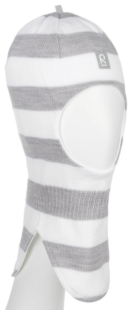 Балаклава детская Reima Starrie, цвет: серый, молочный. 518315-0110C-046. Размер 46518315-0110CУютная детская шапка-шлем Reima Starrie идеально подойдет для прогулок в холодное время года. По своей конструкции шлем облегает голову ребенка, надежно защищая ушки, лоб и щечки от продуваний. Вязаная шапочка-шлем, выполненная из 100% шерсти на мягкой подкладке из эластичного хлопка, прекрасно сохраняет тепло и обладает отличной гигроскопичностью (не впитывает влагу, но проводит ее), она мягкая и идеально прилегает к голове. Спереди предусмотрена небольшая светоотражающая нашивка с логотипом бренда, которая не оставит вашего ребенка незамеченным в темное время суток. Оригинальный дизайн и высокое качество делают эту шапку модным и стильным предметом детского гардероба. В ней ваш ребенок будет чувствовать себя уютно и комфортно и всегда будет в центре внимания! Уважаемые клиенты!Размер, доступный для заказа, является обхватом головы.