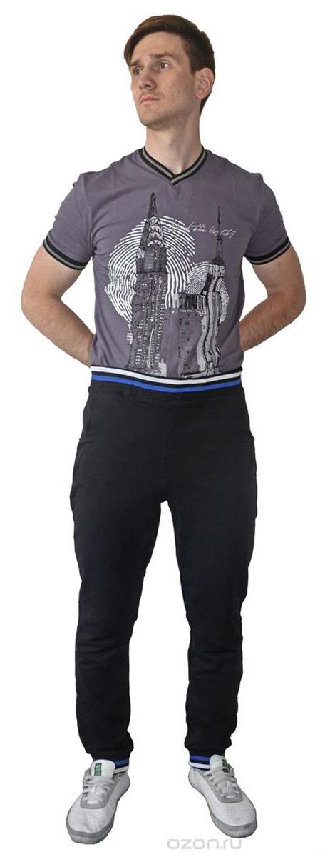 Брюки спортивные мужские RAV, цвет: черный. RAV01-011. Размер L (50)RAV01-011Мужские спортивные брюки RAV идеально подойдут для активного отдыха или занятий спортом. Модель, изготовленная из натурального хлопка, приятная на ощупь, не сковывает движения и хорошо пропускает воздух. Брюки на талии дополнены широкой эластичной резинкой, оформленной контрастными полосками. Спереди расположены два втачных кармана. Низ брючин дополнен трикотажными резинками, оформленными контрастными полосками.