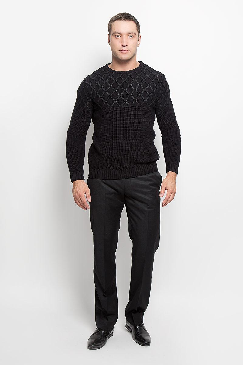 Брюки мужские Mexx, цвет: черный. 7HNTP001000. Размер 547HNTP001000Стильные мужские брюки Mexx, выполненные из полиэстера и шерсти, отлично дополнят ваш образ. Ткань изделия тактильно приятная.Брюки застегиваются на пластиковую пуговицу и имеют ширинку на застежке-молнии. С внутренней стороны имеется дополнительная застежка-пуговица. На поясе предусмотрены шлевки для ремня. Спереди модель дополнена двумя втачными карманами, сзади - двумя прорезными карманами на застежках-пуговицах. Высокое качество кроя и пошива, актуальный дизайн и расцветка придают изделию неповторимый стиль и индивидуальность. Модель займет достойное место в вашем гардеробе!