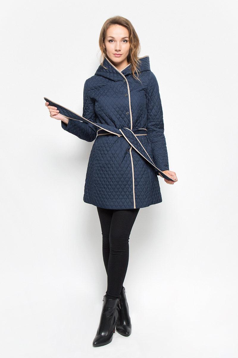 Пальто женское Sela, цвет: темно-синий. CEpq-126/707-6331. Размер M (46)CEpq-126/707-6331Удобное и элегантное женское пальто Sela согреет вас в прохладную погоду и позволит выделиться из толпы. Удлиненная модель с длинными рукавами и несъемным капюшоном выполнена из прочного полиэстера и застегивается на кнопки спереди. Изделие дополнено двумя втачными карманами на молниях и съемным широким поясом. Наполнитель из синтепона и подкладка из полиэстера надежно сохранят тепло, благодаря чему такое пальто защитит вас от ветра и холода. Пальто оформлено стеганым узором в виде ромбов.Это модное и комфортное пальто - отличный вариант для прогулок, оно подчеркнет ваш изысканный вкус и поможет создать неповторимый образ.