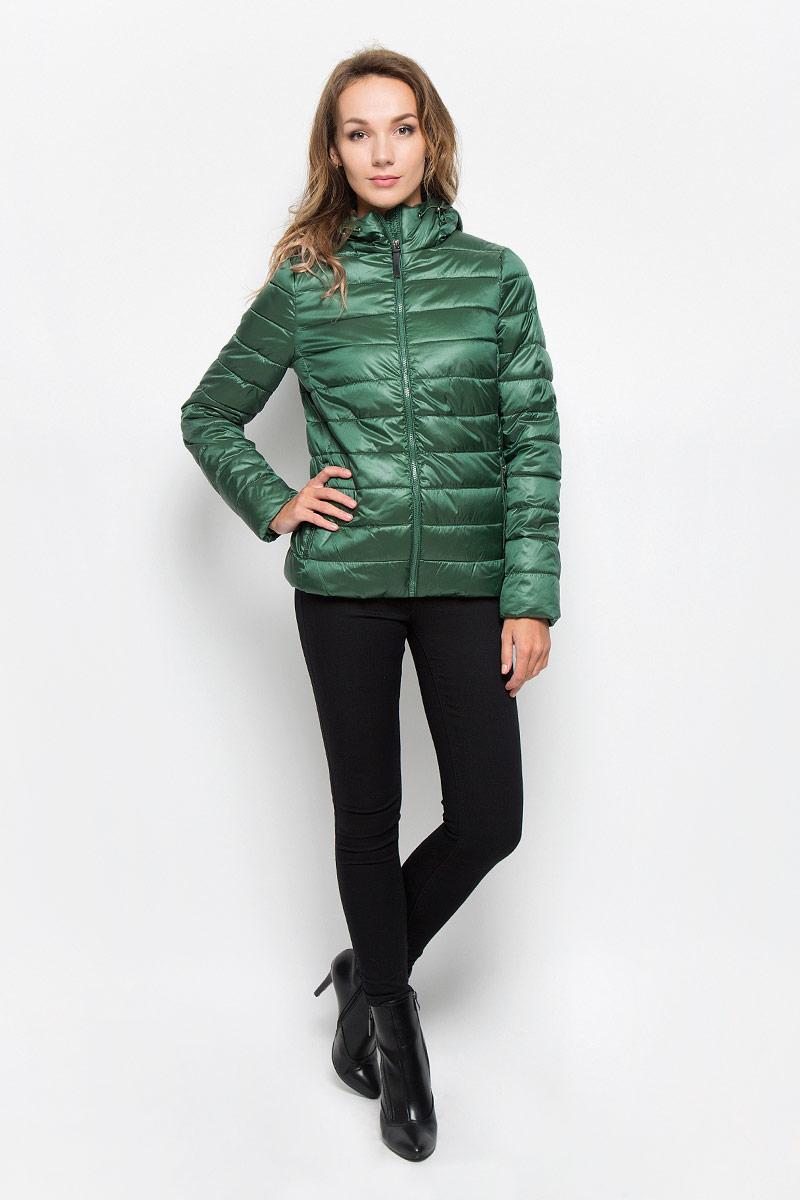 Куртка женская Sela, цвет: зеленый. Cp-126/676-6312. Размер XL (50)Cp-126/676-6312Удобная женская куртка Sela согреет вас в прохладную погоду и позволит выделиться из толпы. Модель с длинными рукавами и несъемным капюшоном выполнена из прочного полиэстера с добавлением нейлона, застегивается на молнию спереди. Объем капюшона регулируется при помощи шнурка-кулиски со стопперами. Изделие дополнено двумя втачными карманами на молниях и внутренними трикотажными манжетами. Плотный наполнитель из синтепона и подкладка из полиэстера надежно сохранят тепло, благодаря чему такая куртка защитит вас от ветра и холода. Эта модная и в то же время комфортная куртка - отличный вариант для прогулок, она подчеркнет ваш изысканный вкус и поможет создать неповторимый образ.