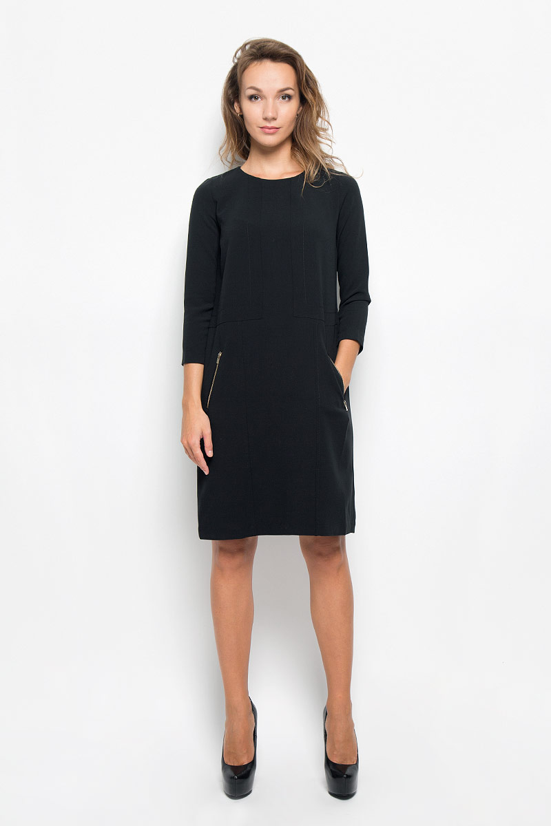 Платье Baon, цвет: черный. B434. Размер XS (42)B434_BlackЭлегантное платье Baon выполнено из высококачественного эластичного полиэстера с добавлением вискозы. Такое платье обеспечит вам комфорт и удобство при носке и непременно вызовет восхищение у окружающих. Платье превосходно тянется, обладает высокой износостойкостью и отлично сидит по фигуре. Модель средней длины с рукавами 7/8 и круглым вырезом горловины выгодно подчеркнет все достоинства вашей фигуры. Платье застегивается на застежку-молнию на спинке. Спереди расположены два втачных кармана на застежках-молниях. Изысканное платье-миди создаст обворожительный и неповторимый образ.Это модное и комфортное платье станет превосходным дополнением к вашему гардеробу, оно подарит вам удобство и поможет подчеркнуть ваш вкус и неповторимый стиль.