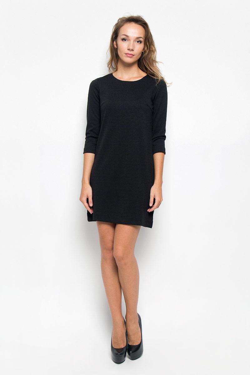 Платье Sela, цвет: черный. DK-117/1083-6322. Размер M (46)DK-117/1083-6322Элегантное платье Sela выполнено из высококачественного эластичного полиэстера с добавлением вискозы. Такое платье обеспечит вам комфорт и удобство при носке и непременно вызовет восхищение у окружающих. Платье превосходно тянется, обладает высокой износостойкостью и отлично сидит по фигуре. Укороченная модель с рукавами 3/4 и круглым вырезом горловины выгодно подчеркнет все достоинства вашей фигуры. Изысканное платье-мини создаст обворожительный и неповторимый образ.Это модное и комфортное платье станет превосходным дополнением к вашему гардеробу, оно подарит вам удобство и поможет подчеркнуть ваш вкус и неповторимый стиль.