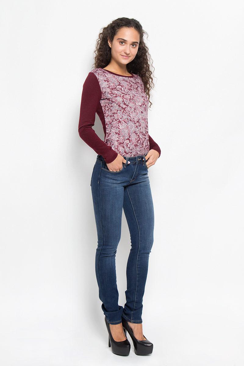 Джинсы женские Sela Denim, цвет: синий джинс. PJ-135/551-6352. Размер 29-32 (46-32)PJ-135/551-6352Утепленные женские джинсы Sela Denim созданы специально для того, чтобы подчеркивать достоинства вашей фигуры. Модель слегка зауженного к низу кроя и средней посадки станет отличным дополнением к вашему современному образу. Джинсы застегиваются на пуговицу в поясе и ширинку на застежке-молнии, имеются шлевки для ремня. Спереди модель дополнена двумя втачными карманами и небольшим накладным кармашком, а сзади - двумя накладными карманами. Изделие оформлено тертым эффектом и контрастной отстрочкой. Эти модные и в тоже время комфортные джинсы послужат отличным дополнением к вашему гардеробу.