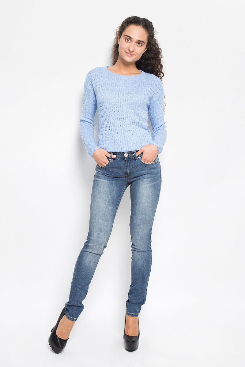 Джинсы женские Sela Denim, цвет: светло-синий. PJ-135/553-6352. Размер 32-34 (48/50-34)PJ-135/553-6352Стильные женские джинсы Sela Denim созданы специально для того, чтобы подчеркивать достоинства вашей фигуры. Модель зауженного к низу кроя и средней посадки станет отличным дополнением к вашему современному образу. Джинсы застегиваются на пуговицу в поясе и ширинку на застежке-молнии, имеются шлевки для ремня. Спереди модель дополнена двумя втачными карманами и небольшим накладным кармашком, а сзади - двумя накладными карманами. Изделие оформлено тертым эффектом и контрастной отстрочкой. Эти модные и в тоже время комфортные джинсы послужат отличным дополнением к вашему гардеробу.