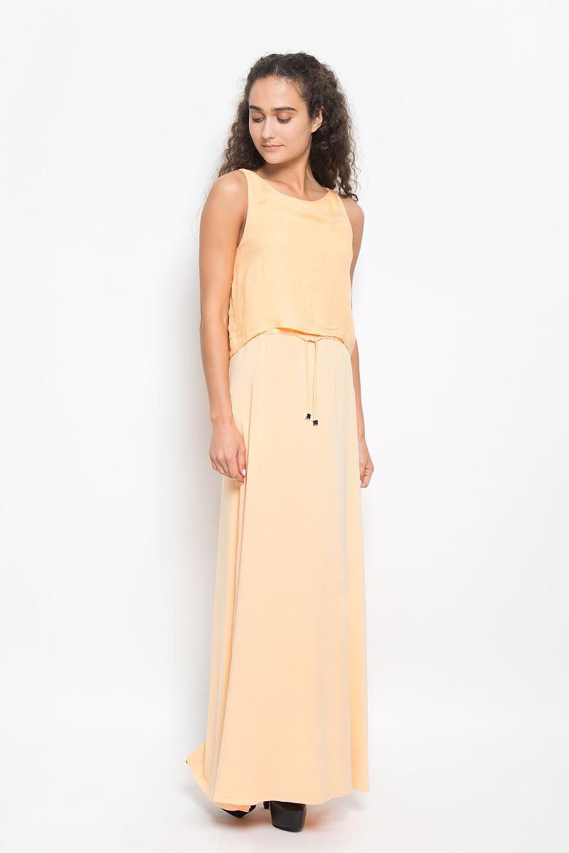 Платье Tom Tailor, цвет: персиковый. 5019239.00.75_4716. Размер 36 (42)5019239.00.75_4716Стильное платье Tom Tailor подчеркнет ваш уникальный стиль и поможет создать оригинальный женственный образ. Модель, изготовленная из вискозы, очень мягкая, тактильно приятная, не сковывает движения и позволяет коже дышать.Платье-макси с круглым вырезом горловины дополнено на поясе затягивающимся шнурком. Верхняя часть модели дополнена несъемным топом, выполненным из вискозы с добавлением эластана, который оформлен на спинке декоративным разрезом.Такое платье станет стильным дополнением к вашему гардеробу и вы всегда будете в центре внимания!