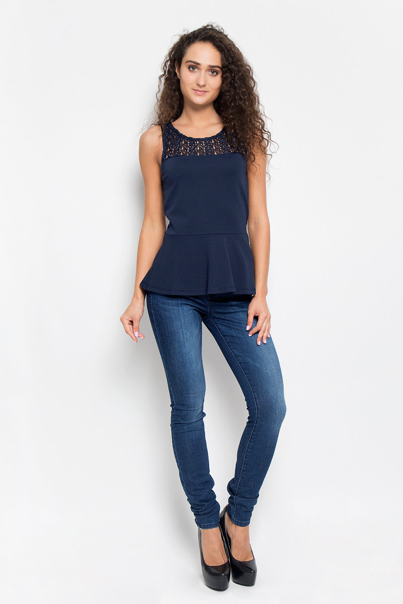 Блузка женская Tom Tailor Denim, цвет: темно-синий. 1035527.00.71_6901. Размер L (48)1035527.00.71_6901Очаровательная женская блузка Tom Tailor Denim, выполненная из качественного материала, подчеркнет ваш уникальный стиль и поможет создать оригинальный женственный образ.Модная блузка дополнена баской. Верх модели оформлен кружевным гипюром.Такая блузка будет дарить вам комфорт в течение всего дня и послужит замечательным дополнением к вашему гардеробу.