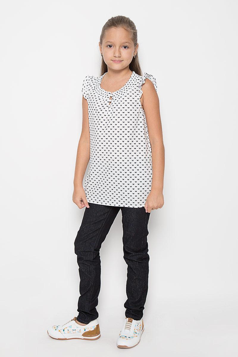 Блузка для девочки Finn Flare Kids, цвет: белый. KS16-71053J. Размер 146, 10-11 летKS16-71053JСтильная блузка для девочки Finn Flare Kids, выполненная из 100% хлопка, станет отличным дополнением к детскому гардеробу. Благодаря составу, изделие тактильно приятное, не сковывает движений, позволяет коже дышать. Блузка с круглым воротником и рукавом крылышком, застегивается на 3 пуговицы. Горловина дополнена сжатой эластичной резинкой. Модель оформлена интересным принтом в виде бантиков. Блузка отлично сочетается с юбками и брюками. В ней вашей принцессе всегда будет уютно и комфортно!