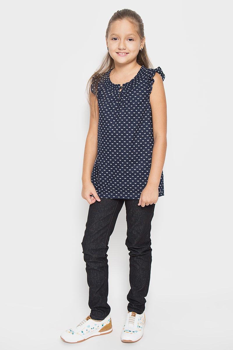 Блузка для девочки Finn Flare Kids, цвет: темно-синий. KS16-71053J. Размер 134, 8-9 летKS16-71053JСтильная блузка для девочки Finn Flare Kids, выполненная из 100% хлопка, станет отличным дополнением к детскому гардеробу. Благодаря составу, изделие тактильно приятное, не сковывает движений, позволяет коже дышать. Блузка с круглым воротником и рукавом крылышком, застегивается на 3 пуговицы. Горловина дополнена сжатой эластичной резинкой. Модель оформлена интересным принтом в виде бантиков. Блузка отлично сочетается с юбками и брюками. В ней вашей принцессе всегда будет уютно и комфортно!