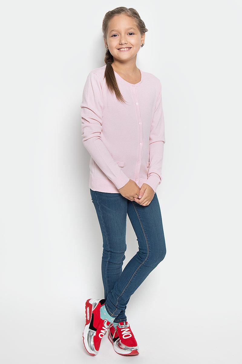 Кардиган для девочки Sela, цвет: розовый. CN-614/031-6362. Размер 140, 10 летCN-614/031-6362Стильный кардиган Sela, изготовленный из вискозы и нейлона, станет отличным дополнением к гардеробу вашей девочки. Материал изделия приятный на ощупь, не сковывает движений, обеспечивая наибольший комфорт.Модель с круглым вырезом горловины и длинными рукавами застегивается на семь пластиковых пуговиц. Манжеты рукавов и низ кардигана связаны резинкой. Спереди модель оформлена нашивками в виде бантиков. Современный дизайн и расцветка делают этот кардиган стильным предметом детской гардероба. В нем ваша девочка будет чувствовать себя уютно и комфортно, и всегда будет в центре внимания!