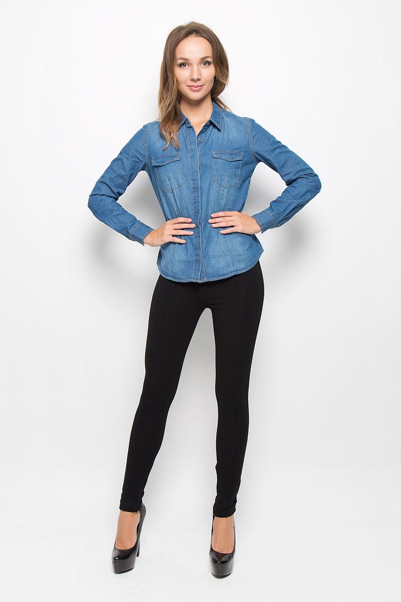 Рубашка женская Sela Casual, цвет: синий джинс. Bj-332/026-6414. Размер M (46)Bj-332/026-6414Женская рубашка Sela Casual, выполненная из натурального хлопка, идеально подойдет для повседневной носки. Материал изделия приятный на ощупь, не стесняет движений и позволяет коже дышать, обеспечивая комфорт. Рубашка с отложным воротником и длинными рукавами застегивается на пуговицы, скрытые за планкой. Модель имеет приталенный силуэт. На манжетах предусмотрены застежки-пуговицы. На груди расположены накладные карманы, которые закрываются с помощью клапанов с пуговицами. Рубашка оформлена прострочкой.Такая рубашка подчеркнет ваш вкус и поможет создать стильный образ!
