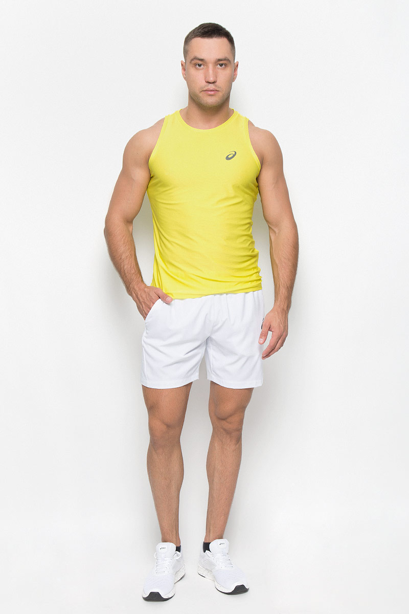 Шорты для тенниса мужские Asics Club Woven Short 7in, цвет: белый. 130238-0001. Размер M (48/50)130238-0001Мужские шорты для тенниса Asics Club Woven Short 7in - это незаменимый атрибут в гардеробе любого спортсмена. Стильные удобные шорты выполнены из высококачественного полиэстера, благодаря чему превосходно сидят, не стесняют движений и великолепно отводят влагу, оставляя тело сухим даже во время интенсивных тренировок. Сетчатая вставка сзади позволяет шортам обеспечивать необходимую циркуляцию воздуха.Модель дополнена широкой эластичной резинкой на талии. Объем пояса регулируется при помощи шнурка-кулиски. Шорты имеют два втачных кармана спереди.Устремляясь за очередным укороченным ударом и высоким мячом, используйте всю силу ног, а легкие шорты помогут вам в этом: они подарят комфорт и полную свободу движений. Эти модные шорты послужат отличным дополнением к вашему спортивному гардеробу. В них вы всегда будете чувствовать себя уверенно и комфортно.