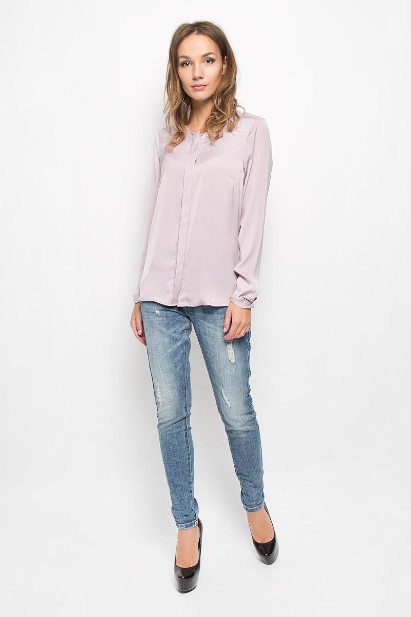 Блузка женская Baon, цвет: бледно-сиреневый. B176531. Размер L (48)B176531Блузка Baon, выполненная из полиэстера, подчеркнет вашу индивидуальность. Материал изделия легкий, тактильно приятный, не стесняет движений, обеспечивая комфорт.Блузка с круглым вырезом горловины и длинными рукавами застегивается по всей длине на пуговицы, скрытые за планкой. Рукава дополнены декоративными отворотами. Такая блузка станет стильным дополнением к вашему образу!