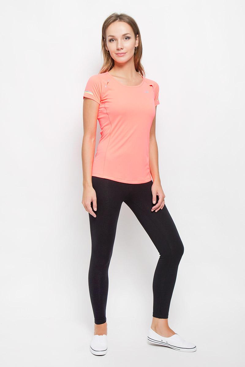 Футболка для бега женская New Balance Ice Short Sleeve, цвет: ярко-розовый. WT63223/GUA. Размер L (48)WT63223/GUAЖенская футболка New Balance Ice Short Sleeve, выполненная из полиэстера, идеально подойдет для бега или занятий фитнесом. Ткань легкая, необычайно мягкая и тактильно приятная, обеспечивает идеальную посадку по фигуре. Изделие с плоскими швами не сковывает движения и хорошо вентилируется. Футболка с короткими рукавами-реглан и круглым вырезом горловины имеет приталенный силуэт. На модели предусмотрена вставка по спинке из перфорированного материала. Изделие дополнено светоотражающими элементами. Такая модель будет дарить вам комфорт в течение всего дня и станет ярким дополнением к вашему гардеробу!