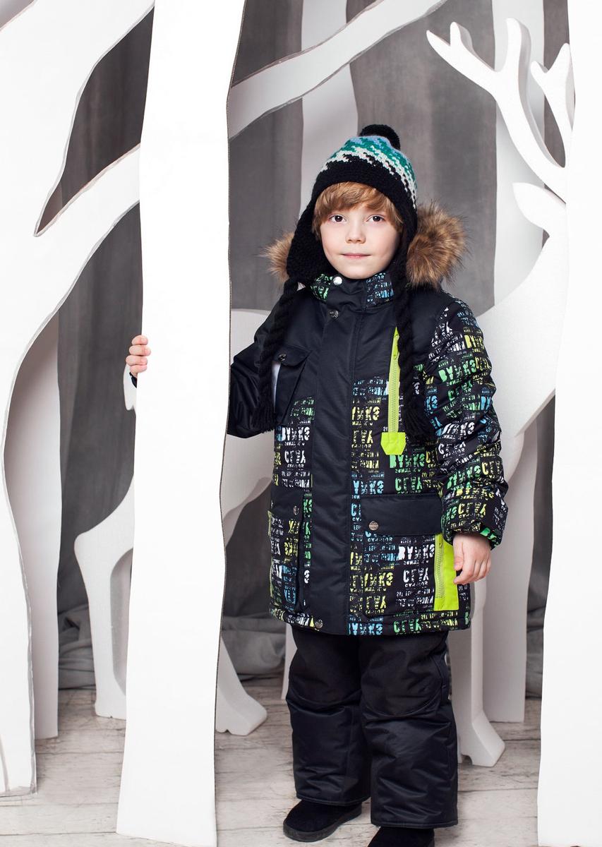 Комплект одежды для мальчика OLDOS Ян: куртка, полукомбинезон, цвет: черный. 1КС1614. Размер 104, 4 года1КС1614Теплый и практичный зимний костюм Ян от OLDOS состоит из куртки и полукомбинезона. Верх выполнен из полиэстера, покрытие Teflon защищает от воды и грязи, увеличивает износостойкость и упрощает уход за изделием. Утеплитель Hollofan плотностью 250 г/м2 в куртке и 200 г/м2 в брюках гипоаллергенен, он отлично удерживает тепло. Подкладка на спинке и грудке выполнена из хлопка, в рукавах и брючинах - гладкий полиэстер для легкости одевания. Модель имеет съемную подстежку на молнии из 60% овечьей шерсти. Температура носки костюма -35...0°С. Куртка имеет весь необходимый функционал для комфортной носки: застежка-молния, двойная ветрозащитная планка с защитой подбородка, приятная к лицу трикотажная вставка на воротнике, саморегулирующиеся муфты с трикотажными манжетами в рукавах, регулируемая утяжка по поясу и низу куртки, съемный капюшон с регулировкой объема и съемной опушкой из искусственного меха. В модели предусмотрен подворот рукавов. Имеются прорезные карманы на молнии и накладные с клапанами на кнопках. Полукомбинезон застегивается на молнию, имеются широкие эластичные регулируемые лямки, внутренняя резинка по линии талии для лучшего прилегания, снего-ветрозащитная муфта (до 104 роста силиконовые штрипки на пуговицах, со 116 роста муфта с антискользящей резинкой), усиление внизу брючин в местах особенного износа, карманы без молний. Костюм оснащен светоотражающими элементами для безопасности в темное время суток.