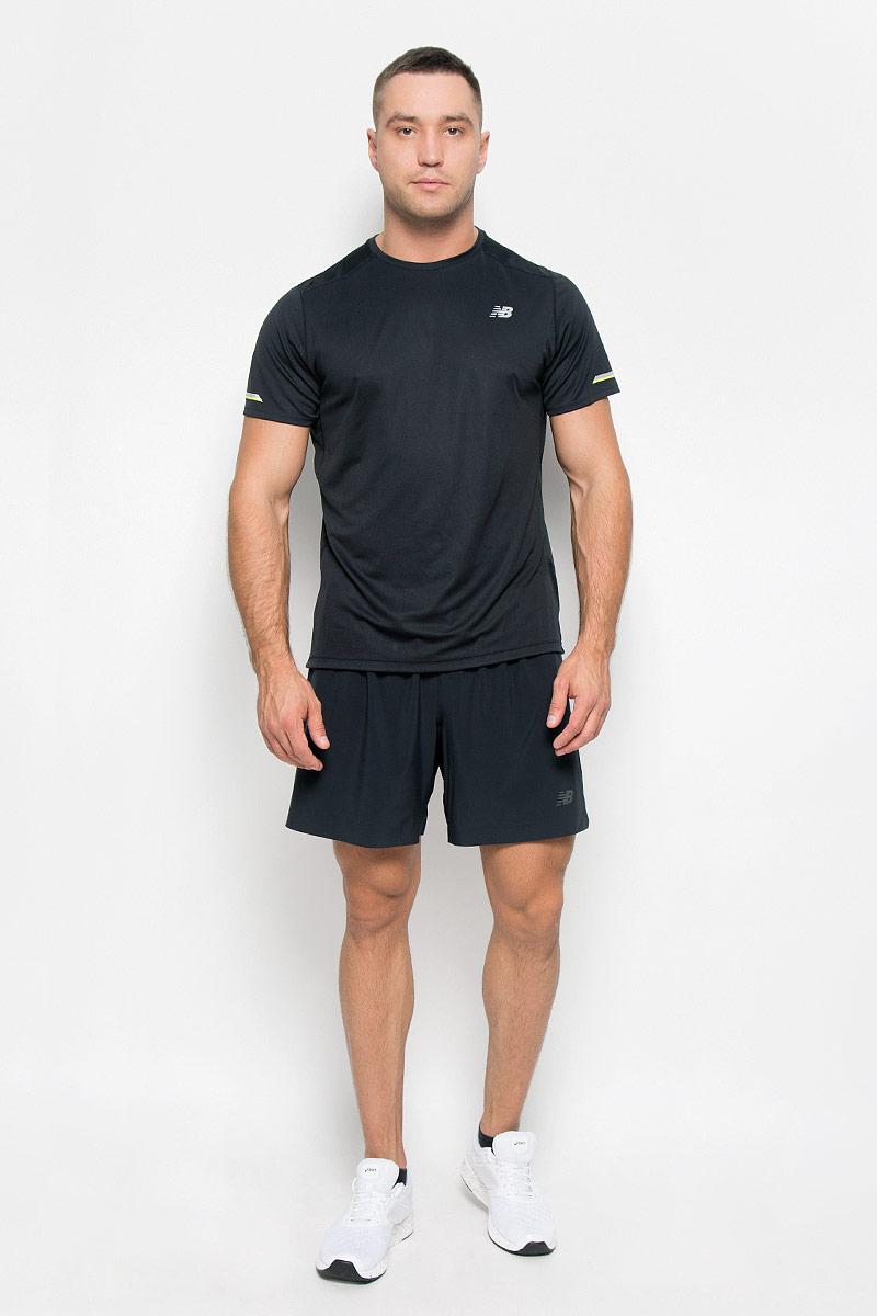 Футболка для бега мужская New Balance, цвет: черный. MT63223/BK. Размер L (48/50)MT63223/BKСтильная мужская футболка для бега New Balance, выполненная из 100% полиэстера, обладает высокой теплопроводностью, воздухопроницаемостью и гигроскопичностью и великолепно отводит влагу, оставляя тело сухим даже во время интенсивных тренировок. Комфортные плоские швы исключают риск натирания. Такая футболка превосходно подойдет для бега, занятий спортом и активного отдыха. Модель с короткими рукавами и круглым вырезом горловины - идеальный вариант для создания образа в спортивном стиле. Футболка оформлена светоотражающим логотипом спереди и светоотражающими элементами на рукавах и спинке.Такая модель подарит вам комфорт в течение всего дня и послужит замечательным дополнением к вашему гардеробу.