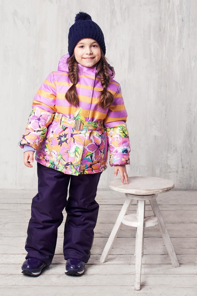 Комплект одежды для девочки Jicco Ксю, цвет: сиреневый, горчичный. 1КС1627. Размер 92, 2 года1КС1627Высокопрочный костюм из зимней коллекции JICCO by OLDOS оснащен всем самым необходимым для комфортной носки. Пропитка Teflon защитит от грязи и воды, увеличивает износостойкость и облегчает уход. Мембрана 2000/2000 делает костюм дышащим и обеспечивает водонепроницаемость. Гипоаллергенный утеплитель HOLLOFAN 300/150 г - эффективно удерживает тепло, не впитывает влагу и запах. Флисовая подкладка в области груди, спины и воротника, в рукавах и полукомбинезоне гладкий полиэстер для легкости одевания. Костюм может расти вместе с ребенком за счет отворотов. По краю капюшона и низу куртки вшита резинка, обеспечивающая лучшее прилегание. Противоснежные муфты, трикотажные манжеты, ветрозащитные планки и воротник-стойка прекрасно защитят от снега и ветра. Полукомбинезон хорошо закрывает грудку и спинку ребенка, а широкие эластичные лямки легко регулируются по высоте. Карманы в куртке на молнии, в полукомбинезоне карманов нет. Есть светоотражающие элементы. Температура: -30 С...+0 С.