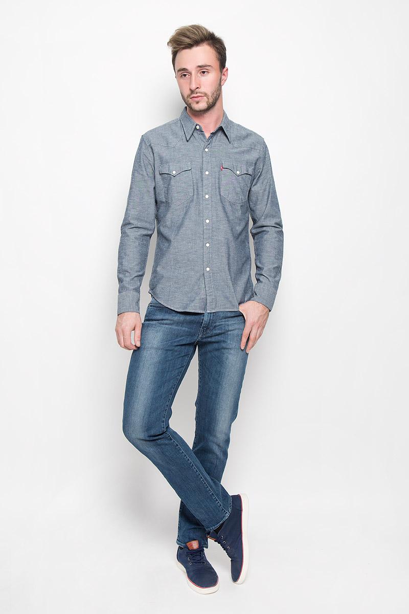 Джинсы мужские Levis® 511, цвет: синий. 451119190. Размер 29-34 (44-34)451119190Мужские джинсы Levis® 511, выполненные из качественного денима, станут отличным дополнением к вашему гардеробу. Ткань плотная, тактильно приятная, позволяет коже дышать.Джинсы слегка зауженного к низу кроя и низкой посадки застегиваются на металлическую пуговицу и имеют ширинку на застежке-молнии. На поясе предусмотрены шлевкидля ремня. Модель имеет классический пятикарманный крой: спереди - два втачных кармана и один маленький накладной, а сзади - два накладных кармана. Изделие оформлено легким эффектом потертости и металлическими клепками. Отличное качество, дизайн и расцветка делают эти джинсы стильным и модным предметом мужской одежды.