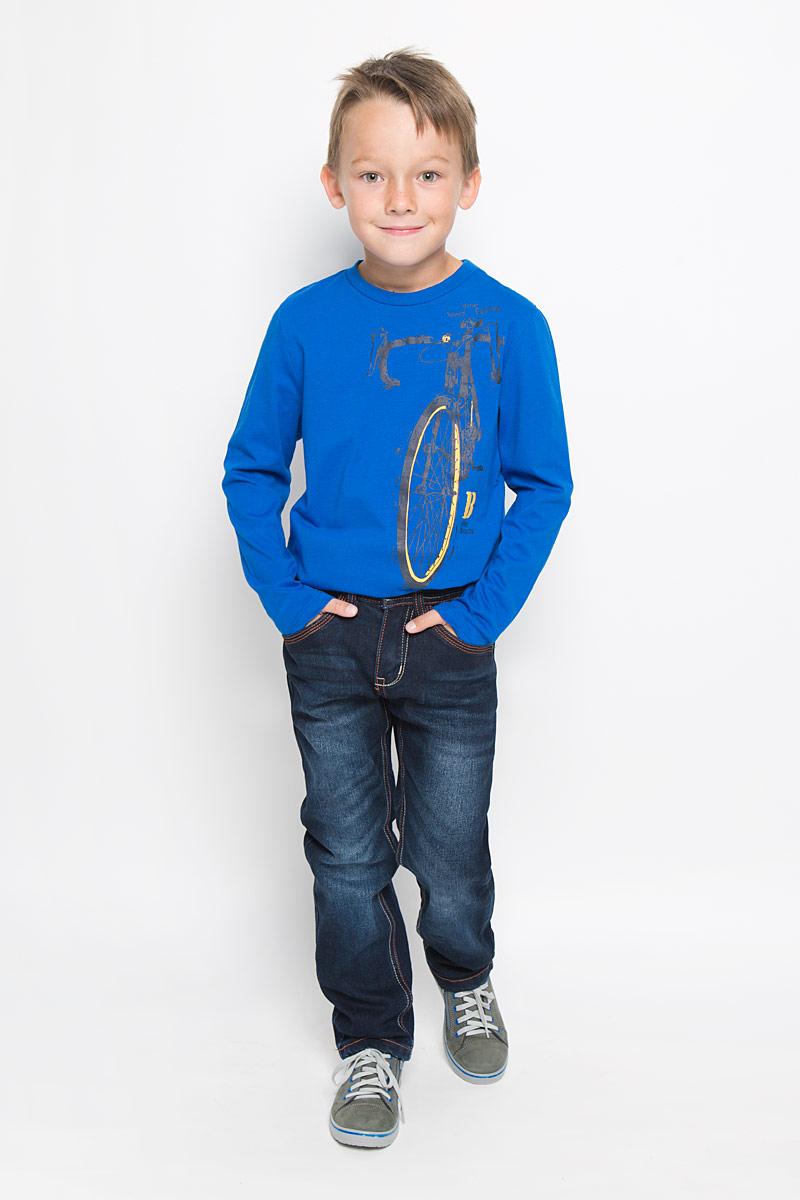 Джинсы для мальчика Sela Denim, цвет: темно-синий. PJ-835/849-6342_м895307002. Размер 146, 11 летPJ-835/849-6342_м895307002Утепленные стильные джинсы для мальчика Sela Denim идеально подойдут юному моднику для отдыха и прогулок. Изготовленные из высококачественного материала, они мягкие и приятные на ощупь, не сковывают движения и позволяют коже дышать, обеспечивая наибольший комфорт. Подкладка из хлопка с добавлением полиэстера.Джинсы прямого кроя, на талии застегиваются на металлическую пуговицу и имеют ширинку на застежке-молнии, а также шлевки для ремня. С внутренней стороны пояс регулируется скрытой резинкой на пуговицах. Модель имеет классический пятикарманный крой: спереди - два втачных кармана и один маленький накладной, а сзади - два накладных кармана. Оформлено изделие контрастной прострочкой и легким эффектом потертости. Современный дизайн и расцветка делают эти джинсы модным предметом детской одежды. В них ребенок всегда будет в центре внимания!