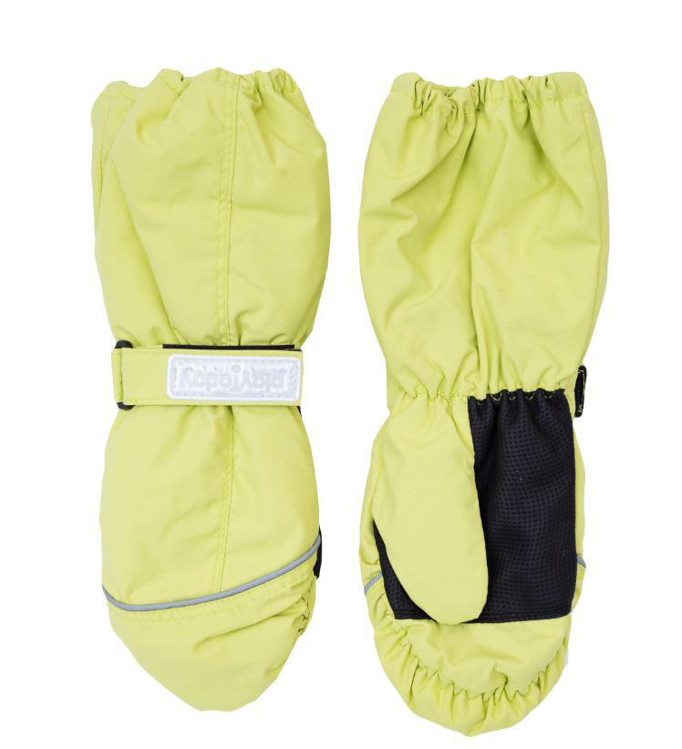 Рукавицы для девочки Scool, цвет: лайм. 364186. Размер 18364186Яркие рукавицы для девочки выполнены из современной водонепроницаемой и ветрозащитной ткани. Мягкая подкладка из флиса и утеплитель отлично сохраняют тепло. На запястье каждой рукавицы расположены резинка и небольшой хлястик на липучке, в верхней части изделия также присборены на эластичные резинки. Ладошки дополнены вставкой из усиленного антискользящего материала. Рукавицы дополнены светоотражателями и креплениями для куртки.