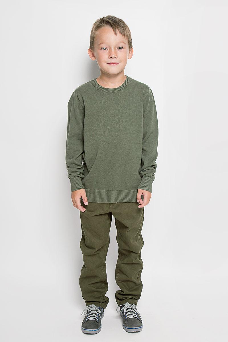Джемпер для мальчика Sela, цвет: оливковый. JR-814/261-6332. Размер 140, 10 летJR-814/261-6332Модный джемпер Sela, изготовленный из натурального хлопка, станет отличным дополнением к гардеробу вашего мальчика. Материал изделия приятный на ощупь, не сковывает движений и позволяет коже дышать, не раздражает даже самую нежную и чувствительную кожу ребенка, обеспечивая наибольший комфорт.Модель с круглым вырезом горловины и длинными рукавами выполнена в лаконичном стиле. Горловина, манжеты рукавов и низ джемпера связаны резинкой. Современный дизайн и расцветка делают этот джемпер стильным предметом детского гардероба. В нем вашему мальчику будет уютно и комфортно, и он всегда будет в центре внимания!
