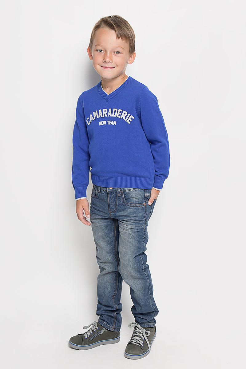Джинсы для мальчика Tom Tailor, цвет: синий. 6204640.00.30_1195. Размер 1586204640.00.30_1195Стильные джинсы Tom Tailor станут отличным дополнением к гардеробу вашего мальчика. Изготовленные из натурального хлопка, они необычайно мягкие и приятные на ощупь, не сковывают движения и позволяют коже дышать, не раздражают даже самую нежную и чувствительную кожу ребенка, обеспечивая наибольший комфорт.Джинсы застегиваются на пуговицу в поясе и ширинку на застежке-молнии. С внутренней стороны пояс дополнен регулируемой эластичной резинкой, которая позволяет подогнать модель по фигуре. На поясе предусмотрены шлевки для ремня. Джинсы имеют классический пятикарманный крой: спереди модель оформлена двумя втачными карманами и одним маленьким накладным кармашком, а сзади - двумя накладными карманами. Модель оформлена контрастной прострочкой, перманентными складками и эффектом потертости.Современный дизайн и расцветка делают эти джинсы модным и стильным предметом детского гардероба. В них вам мальчик будет чувствовать себя уютно и комфортно, и всегда будет в центре внимания!