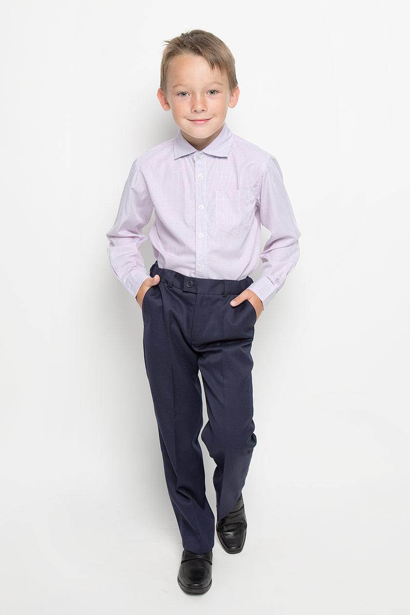 Рубашка для мальчика Sela, цвет: бледно-фиолетовый. H-812/188-6311. Размер 116, 6 летH-812/188-6311Стильная рубашка для мальчика Sela идеально подойдет вашему юному мужчине. Изготовленная из хлопка с добавлением полиэстера, она мягкая и приятная на ощупь, не сковывает движения и позволяет коже дышать, не раздражает даже самую нежную и чувствительную кожу ребенка, обеспечивая ему наибольший комфорт. Рубашка классического кроя с длинными рукавами и отложным воротничком застегивается по всей длине на пуговицы. Края рукавов дополнены широкими манжетами на пуговицах. Низ изделия немного закруглен к боковым швам. Модель оформлена принтом в мелкую полоску и дополнена накладным карманом на груди. Такая рубашка будет прекрасно смотреться с брюками, пиджаками и жилетами. Она станет неотъемлемой частью школьного гардероба.