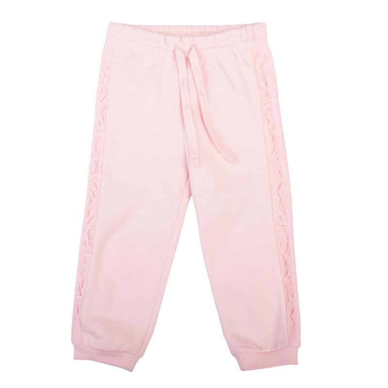 Брюки спортивные для девочки PlayToday Baby, цвет: розовый. 368013. Размер 74368013Стильные брюки для девочки выполнены из футера с начесом. Спортивная конструкция смягчена лампасами из нежного гипюра в тон. Пояс на мягкой резинке дополнительно регулируется тесьмой со сверкающей люрексной нитью. Низ брючин дополнен мягкой резинкой.