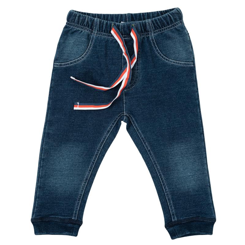 Брюки для мальчика PlayToday Newborn, цвет: синий деним. 367805. Размер 56367805Стильные брюки для мальчика выполнены из френч терри с имитацией джинсовой ткани - малыш будет выглядеть как взрослый. Пояс на мягкой резинке дополнительно регулируется яркой тесьмой. Края штанишек обработаны яркой радужной стежкой. Низ брючин дополнен мялкой резинкой.