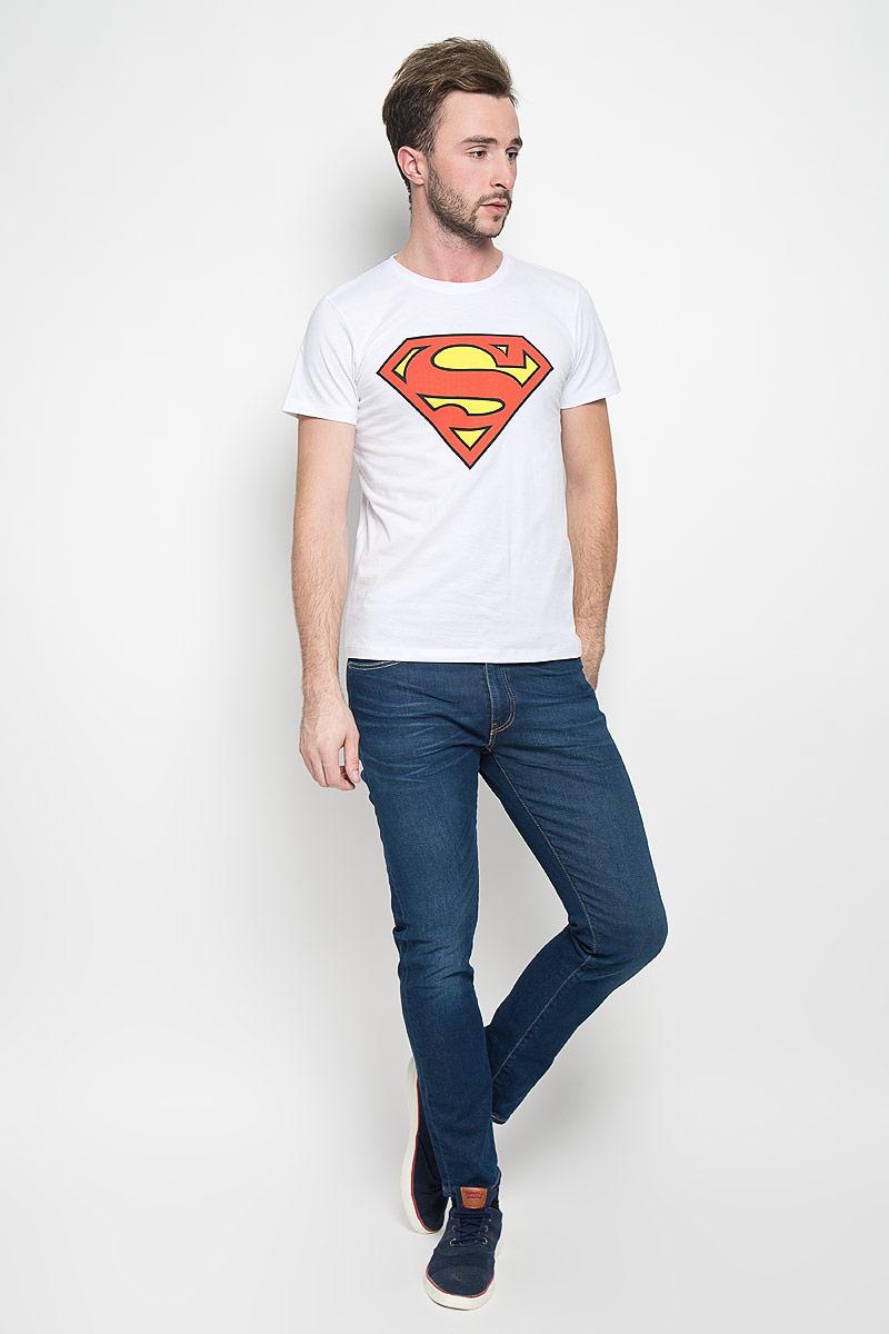 Футболка мужская RHS Superman, цвет: белый. 44676. Размер S (46)44676Оригинальная мужская футболка RHS Superman, выполненная из высококачественного хлопка, обладает высокой теплопроводностью, воздухопроницаемостью и гигроскопичностью, позволяет коже дышать. Модель с короткими рукавами и круглым вырезом горловины, оформлена крупным принтом спереди на тематику известного комикса Superman. Горловина дополнена эластичной трикотажной резинкой.Идеальный вариант для тех, кто ценит комфорт и качество.