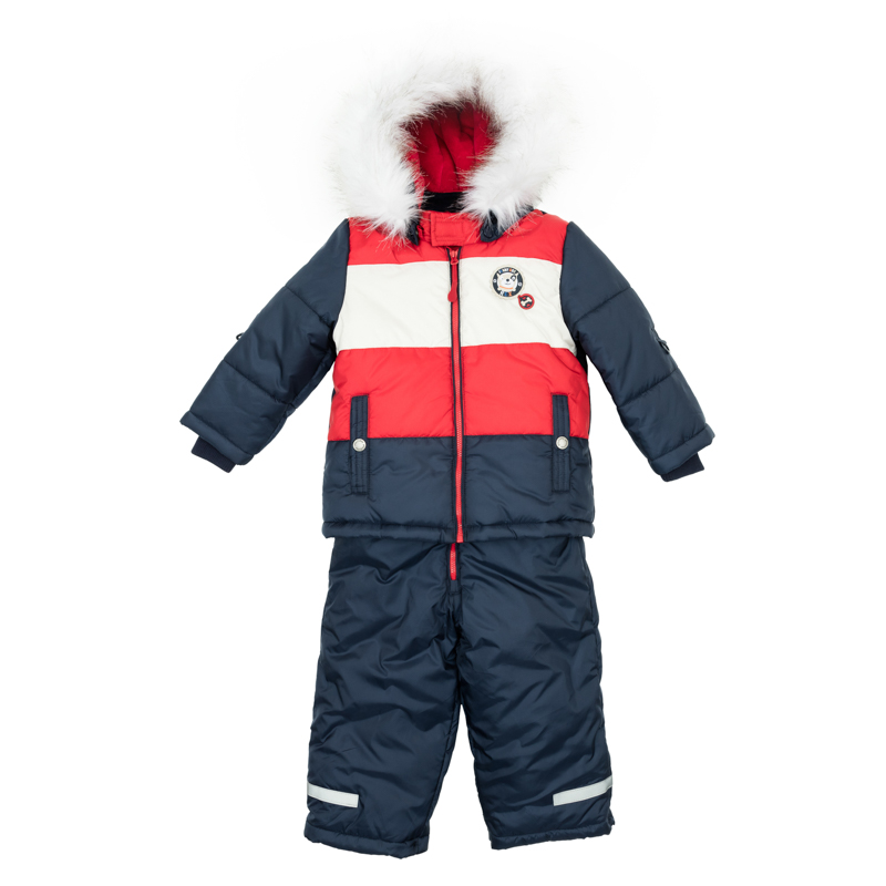 Комплект для мальчика PlayToday Baby: куртка, полукомбинезон, цвет: темно-синий, красный, белый. 367051. Размер 80367051Комплект одежды для мальчика состоит из куртки и полукомбинезона, выполненных из водоотталкивающего материала.Куртка оформлена вставками контрастного цвета и дополнена светоотражателями. Модель с воротником-стойкой на липучке, защищающим от ветра, застегивается на молнию и дополнена двумя прорезными карманами на кнопках. Капюшон и мех удобно отстегиваются. Уютная велюровая подкладка обеспечивает дополнительное удобство и удерживает тепло. Рукава изделия дополнены трикотажными резинками. Модель оснащена дополнительной внутренней «юбкой» на кнопках, которая защищает от снега и ветра. Удобный утепленный полукомбинезон застегивается спереди на молнию и дополнен светоотражающими вставками. Мягкая велюровая подкладка держит тепло и обеспечивает дополнительное удобство. Низ брючин утягивается стопперами и имеет специальный слой - снегозащиту, который надевается на обувь. Эластичные бретели удобно регулируются по длине.