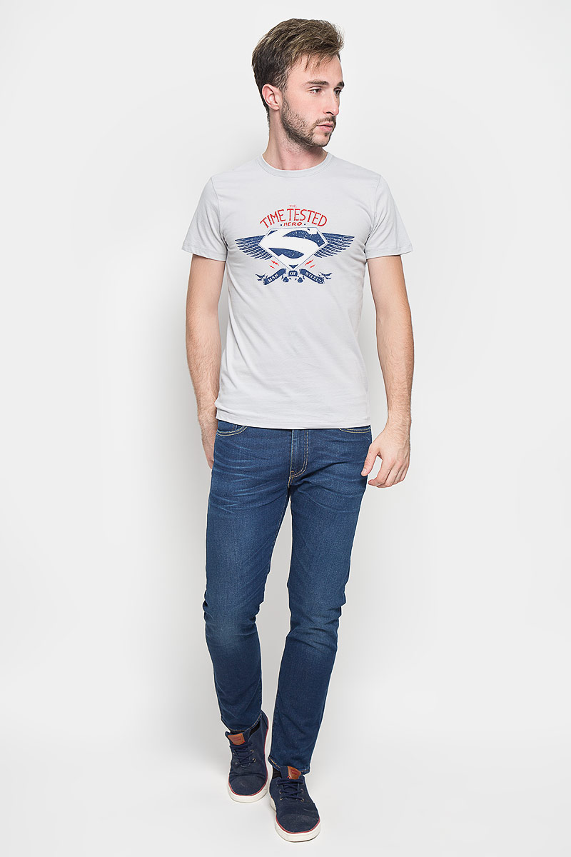 Футболка мужская RHS Superman, цвет: светло-серый. 44686. Размер M (48)44686Оригинальная мужская футболка RHS Superman, выполненная из высококачественного хлопка, обладает высокой теплопроводностью, воздухопроницаемостью и гигроскопичностью, позволяет коже дышать. Модель с короткими рукавами и круглым вырезом горловины, оформлена крупным принтом спереди на тематику известного комикса Superman. Горловина дополнена эластичной трикотажной резинкой.Идеальный вариант для тех, кто ценит комфорт и качество.