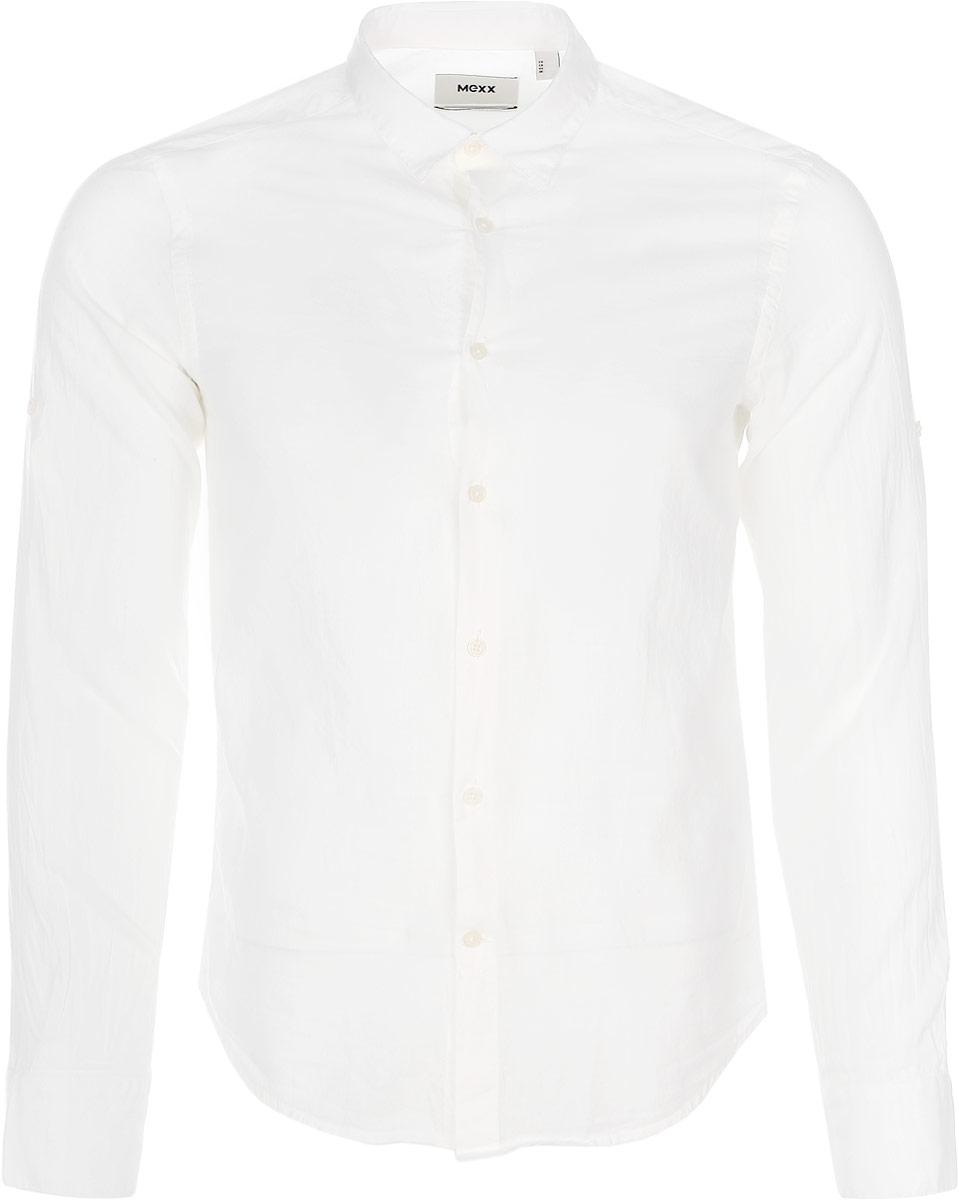 Рубашка мужская Mexx, цвет: молочный. MX3021236_MN_SHG_004. Размер S (48)MX3021236_MN_SHG_004Мужская хлопковая рубашка Mexx подчеркнет ваш вкус и поможет создать стильный образ. Материал изделия тактильно приятный, позволяет коже дышать, не стесняет движений, обеспечивая комфорт при носке.Рубашка с отложным воротником и длинными рукавами застегивается на пуговицы по всей длине. Модель имеет слегка приталенный силуэт. На манжетах предусмотрены застежки-пуговицы.Такая рубашка займет достойное место в вашем гардеробе!