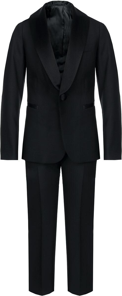 Костюм для мальчика BTC, цвет: черный. 12.017493. Размер 36-13412.017493Классический костюм для мальчика BTC, состоящий из пиджака и брюк, - основа делового стиля, а значит и в школьном гардеробе ребенка - это базовый атрибут, необходимый для будней и праздников. Изготовленный из полиэстера с добавлением вискозы, он необычайно мягкий и приятный на ощупь, не сковывает движения и позволяет коже дышать, не раздражает даже самую нежную и чувствительную кожу ребенка, обеспечивая ему наибольший комфорт. На подкладке используется гладкая подкладочная ткань.Классический пиджак с лацканами застегивается на одну пуговицу. Спереди он дополнен тремя прорезными карманами, один из которых расположен на уровне груди. Сзади имеется шлица. С внутренней стороны модель также дополнена накладным кармашком. Внутренняя обработка пиджака, сделанная по самым высоким стандартам мужской моды, придает костюму солидность.Классические брюки прямого кроя со стрелками на талии застегиваются на пуговицу и имеют ширинку на застежке-молнии, также имеются шлевки для ремня. С внутренней стороны пояс регулируется резинкой на пуговицах, создающей комфортную посадку изделия по фигуре. Спереди брюки дополнены двумя боковыми втачными карманами со скошенными краями.Являясь важным атрибутом школьной моды, классический костюм подчеркивает деловой имидж ученика, придавая ему уверенность.