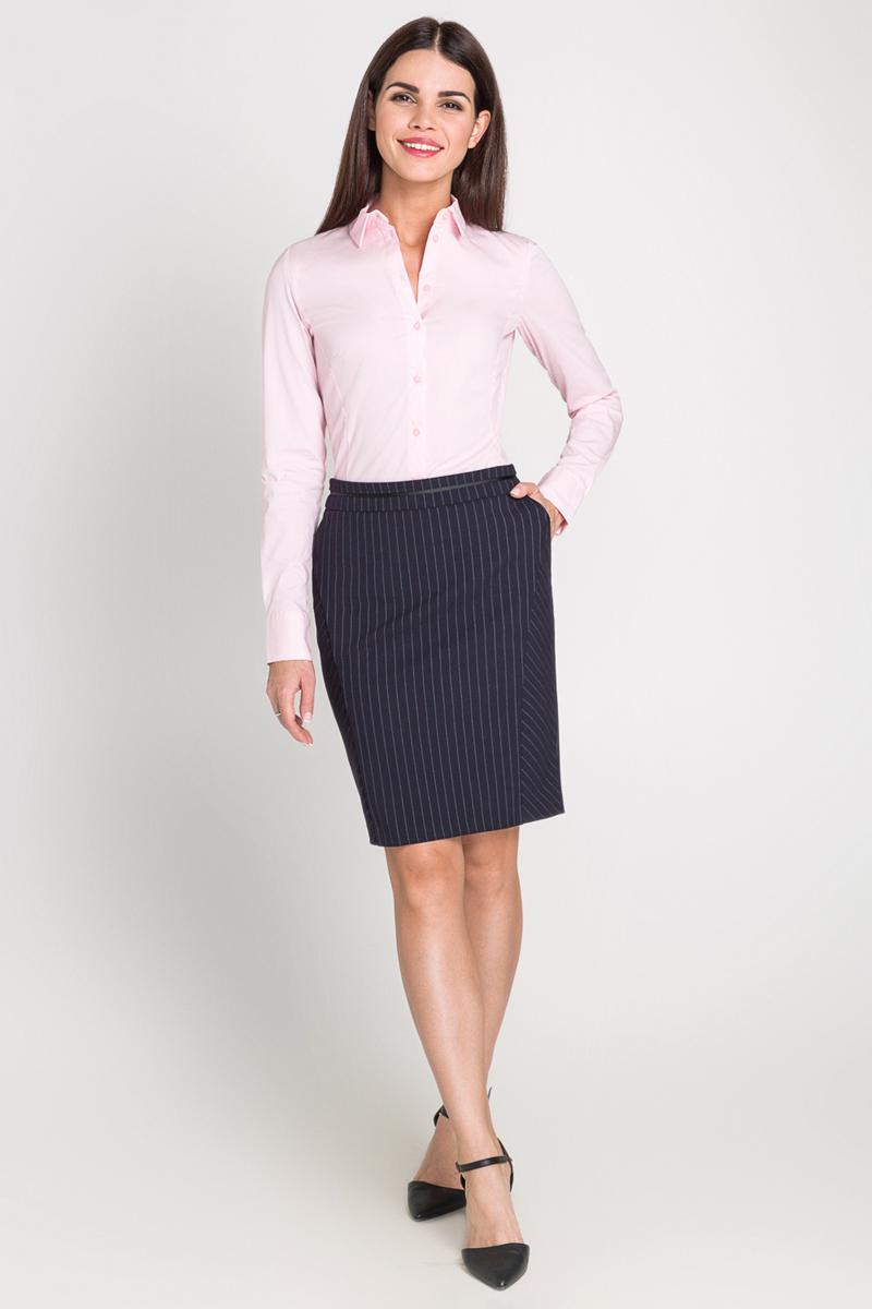 Рубашка женская Bestia Toki2_b, цвет: светло-розовый. 40200260082_3400. Размер L (48)40200260082_3400Классическая рубашка выполнена из хлопковой эластичной ткани. Модель приталенного кроя с отложным воротником и длинными стандартными рукавами, манжеты дополнены пуговицами.