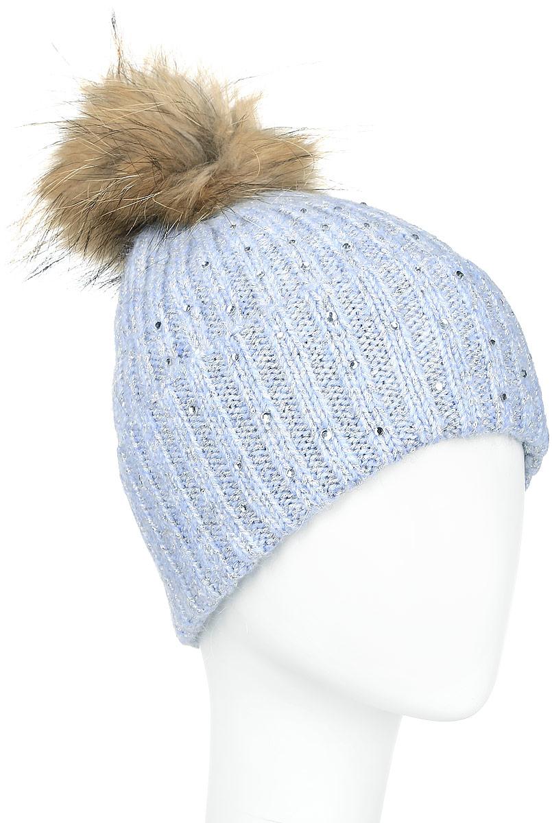 Шапка женская Finn Flare, цвет: серо-голубой. A16-11162_138. Размер 56A16-11162_138Стильная женская шапка Finn Flare дополнит ваш наряд и не позволит вам замерзнуть в холодное время года. Шапка выполнена из высококачественной комбинированной пряжи, что позволяет ей великолепно сохранять тепло и обеспечивает высокую эластичность и удобство посадки.Модель оформлена стразами и дополнена пушистым помпоном из меха енота. Такая шапка станет модным и стильным дополнением вашего гардероба. Она согреет вас и позволит подчеркнуть свою индивидуальность!
