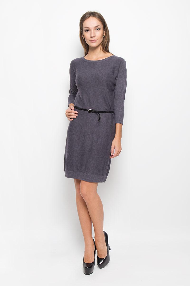 Платье Sela Casual, цвет: серый. DSw-117/1038-6393. Размер L (48)DSw-117/1038-6393Легкое трикотажное платье Sela, изготовленное из высококачественного комбинированного материала, поможет создать привлекательный образ. Материал изделия мягкий, тактильно приятный, позволяет коже дышать. Модель с круглым вырезом горловины и цельнокроеными рукавами длинной 3/4 сзади застегивается на пуговицу. Платье дополнено тонким, текстильным пояском.Такое платье будет дарить вам комфорт в течение всего дня, и послужит замечательным дополнением к вашему гардеробу.