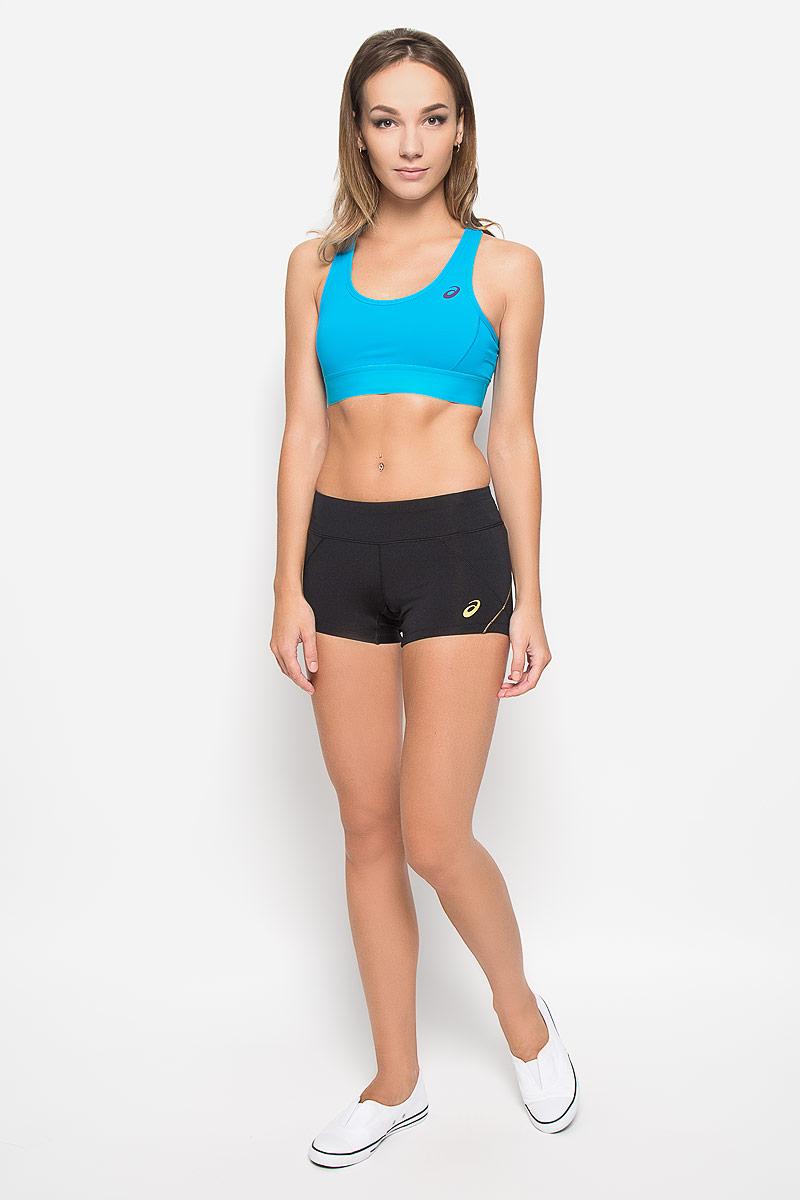 Топ-бра для фитнеса женский Asics, цвет: голубой. 122834-0877. Размер S (42/44)122834-0877Удобный и практичный топ-бра для фитнеса Asics, выполненный из высококачественного эластичного полиэстера,идеально подойдет для активного отдыха и занятий фитнесом, а также для повседневной носки. Модель на бретелях имеет широкий эластичный пояс, который обеспечивает бережную поддержку. Широкиенесъемные бретельки надежно фиксируют топ на плечах и не регулируются по длине. Топ имеет поролоновуюнесъемную вставку, обеспечивающую дополнительную поддержку и защиту груди. Спинка изделия дополненасетчатой вставкой.Такая модель подарит вам комфорт в течение дня и станет отличным дополнением к вашему спортивномугардеробу.