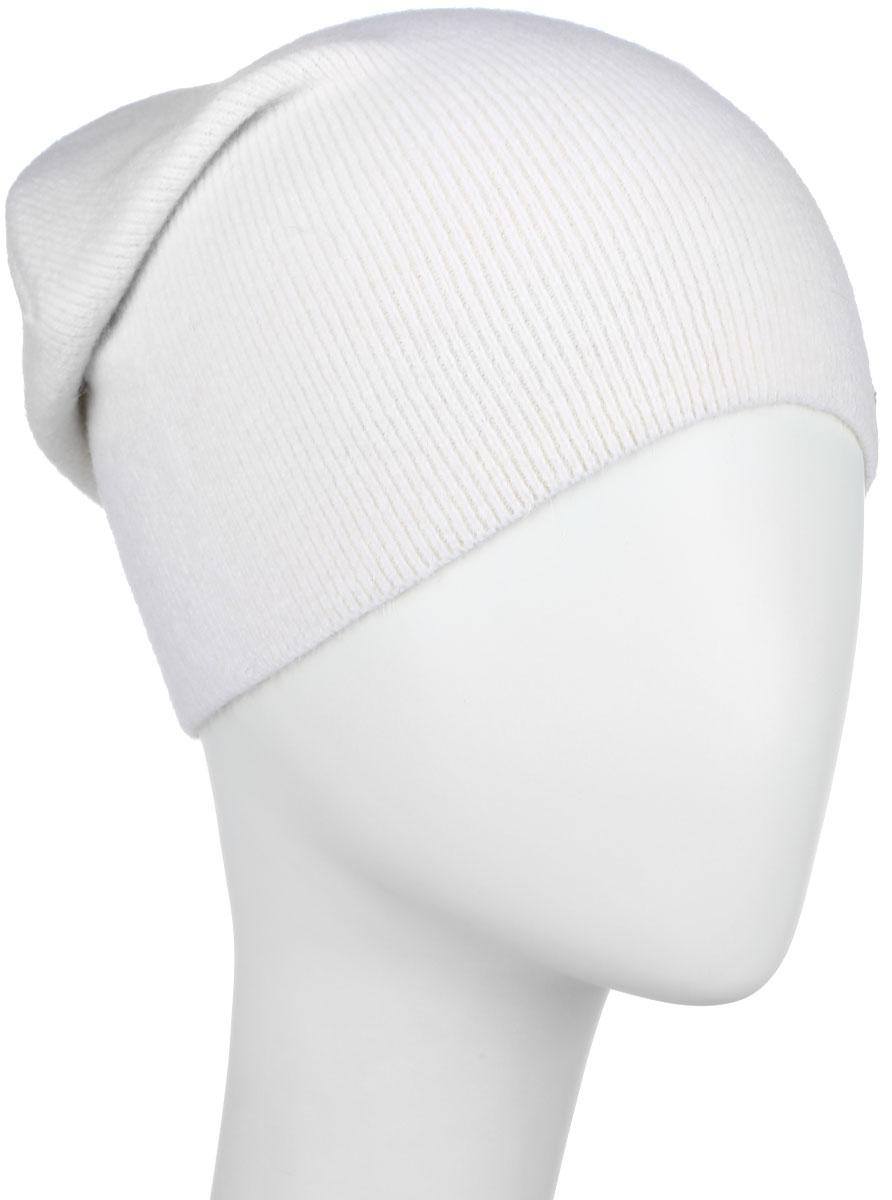 Шапка женская Finn Flare, цвет: молочный. A16-32122_201. Размер 56A16-32122_201Стильная женская шапка Finn Flare дополнит ваш наряд и не позволит вам замерзнуть в холодное время года. Шапка выполнена из высококачественной пряжи, что позволяет ей великолепно сохранять тепло и обеспечивает высокую эластичность и удобство посадки. Модель с удлиненной макушкой дополнена металлической эмблемой с логотипом производителя.Такая шапка станет модным и стильным дополнением вашего гардероба. Она согреет вас и позволит подчеркнуть свою индивидуальность! Уважаемые клиенты!Размер, доступный для заказа, является обхватом головы.