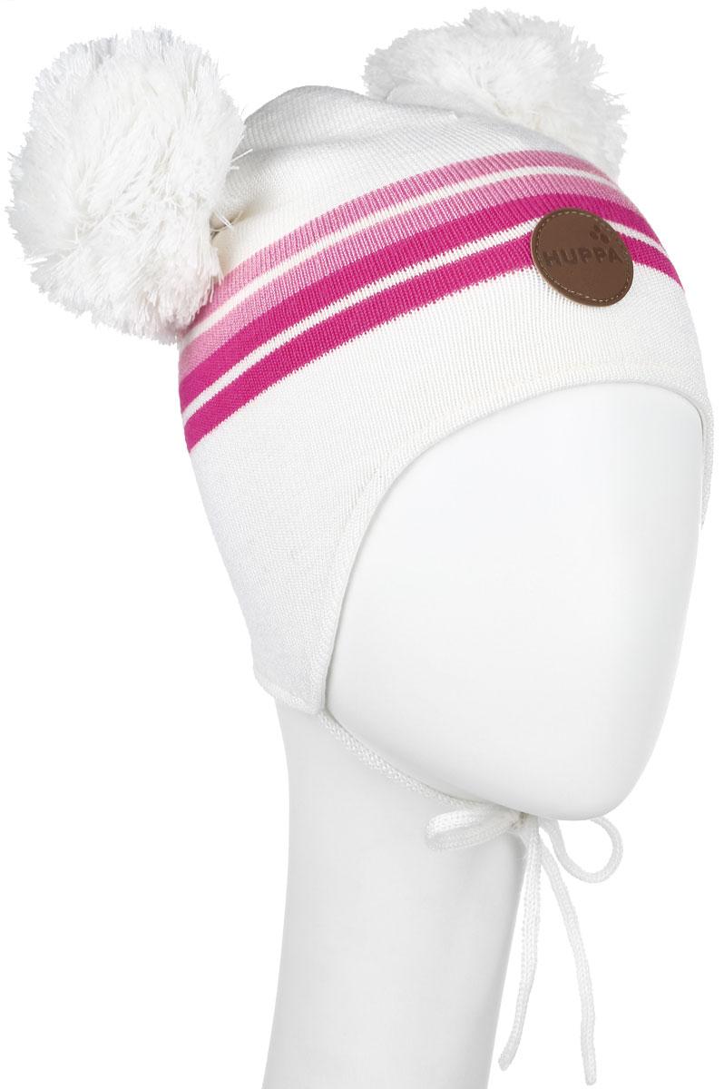 Шапка для девочки Huppa Minny, цвет: белый. 80350000-60020. Размер 43/4580350000-60020Вязанная шапка для девочки Huppa Minny станет отличным дополнением к детскому гардеробу. Верх изделия изготовлен из акрила с добавлением шерсти, а подкладка из качественного хлопка, что обеспечивает тепло и комфорт. Благодаря эластичной вязке, шапка идеально прилегает к голове ребенка.Шапка оформлена контрастными полосками и на макушке декорирована двумя пушистыми помпонами. Изделие завязывается на шнурочки, тем самым обеспечивает тепло в холодную погоду и защищает детские ушки от холода. Дополнена шапочка нашивкой с названием бренда. Оригинальный дизайн и расцветка делают эту шапку стильным предметом детского гардероба. В ней ребенку будет тепло, уютно и комфортно. Уважаемые клиенты!Размер, доступный для заказа, является обхватом головы.