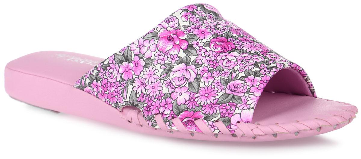 Тапки женские Pansy, цвет: розовый. 8564. Размер L (38)8564_PinkДомашняя обувь от Pansy - стандарт технологий комфорта из Японии:Mould - тапки Pansy проектируется и изготавливается по технологии современной модельной обуви: многослойная подошва иобувные материалы, обеспечивают функциональность модельной обуви при весе одного тапка от 100 до max 150 г . Aerolite - технология фирмы Teijin Cordley Ltd. по изготовлению искусственной кожи с заранее заданными свойствами. Волокна аэрокапсульного волокна с включениями пузырьков воздуха выращивают с параметрами превышающие характеристики натуральной кожи по массе, гигроскопичности и износостойкости. Cool Max - сетка, используемая для быстрого отвода и испарения влаги, снижения температуры на особо нагруженных поверхностях по патенту фирмы Toray Inc. Zeomix - глубокая антибактериальная обработка ионами серебра по технологии Asahi Karuray на все время эксплуатации. Biosil - пропитка деодорантом Dow Jones Corning длительного действия эффективно нейтрализует запахи. Super Fine - грязеотталкивающее покрытие, обеспечивающее легкое удаление загрязнений влажной салфеткой. Функцию антискольжения - выполняют специальные нашивки на подошве. Тепло человеческих рук - используется при ручном соединении верхней стельки к подошве с помощью традиционной скорняжной техники.Верх модели выполнен из искусственной кожи и оформлен цветочным принтом. Спереди, вдоль ранта модель оформлена внешним крупным швом. Такие тапки обеспечат комфорт и уют.