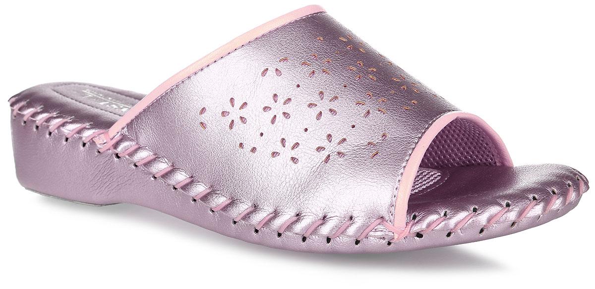 Тапки женские Pansy, цвет: розовый. 9413. Размер LL (39)9413_PinkДомашняя обувьот Pansy - стандарт технологий комфорта из Японии:Mould - тапки Pansy проектируется и изготавливается по технологии современной модельной обуви: многослойная подошва и обувные материалы, обеспечивают функциональность модельной обуви при весе одного тапка от 100 до max 150 г . 3 Point - японская ортопедическая подошва снижает нагрузку на основные опорные точки, уменьшает разогрев стопы и поддерживает ее в оптимальном положении. Aerolite - технология фирмы Teijin Cordley Ltd. по изготовлению искусственной кожи с заранее заданными свойствами. Волокна аэрокапсульного волокна с включениями пузырьков воздуха выращивают с параметрами превышающие характеристики натуральной кожи по массе, гигроскопичности и износостойкости. Cool Max - сетка, используемая для быстрого отвода и испарения влаги, снижения температуры на особо нагруженных поверхностях по патенту фирмы Toray Inc. Zeomix - глубокая антибактериальная обработка ионами серебра по технологии Asahi Karuray на все время эксплуатации.Biosil - пропитка деодорантом Dow Jones Corning длительного действия эффективно нейтрализует запахи. Super Fine - грязеотталкивающее покрытие, обеспечивающее легкое удаление загрязнений влажной салфеткой. Функцию антискольжения - выполняют специальные нашивки на подошве.Тепло человеческих рук - используется при ручном соединении верхней стельки к подошве с помощью традиционной скорняжной техники.Модель выполнена из искусственной кожи и оформлена по верху декоративной перфорацией. Вдоль ранта модель оформлена внешним крупным швом. Такие тапки обеспечат комфорт и уют.