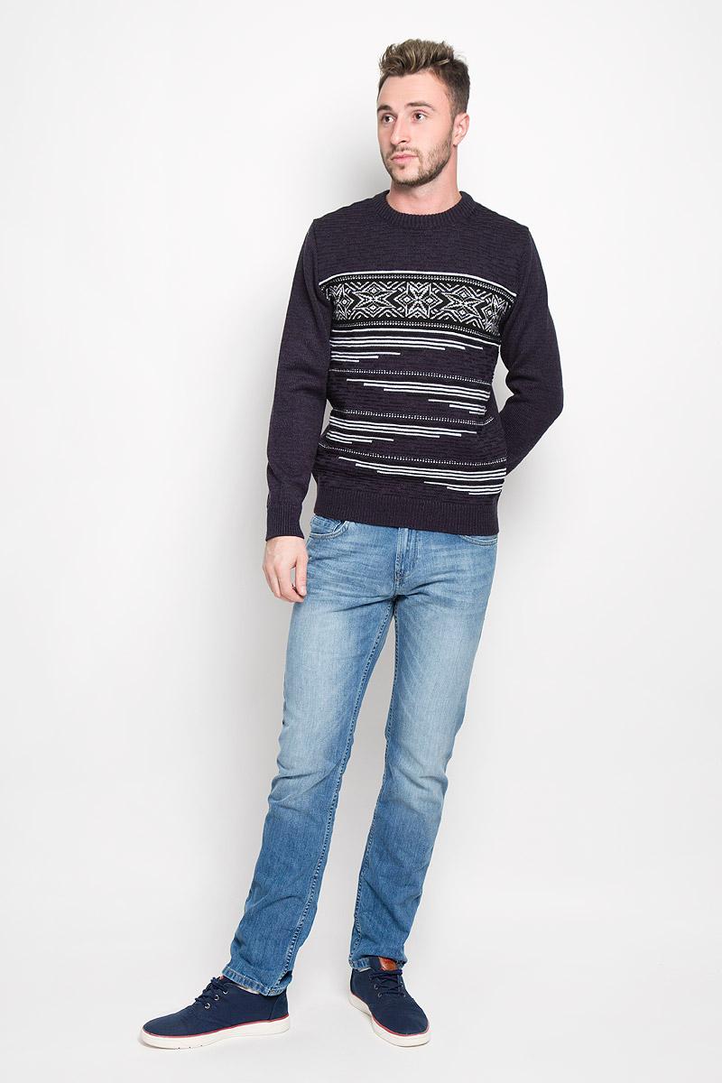 Джемпер мужской Milana Style, цвет: темно-фиолетовый. 1417. Размер 461417Стильный мужской джемпер Finn Flare, выполненный из высококачественного материала, необычайно мягкий и приятный на ощупь, не сковывает движения, обеспечивая наибольший комфорт. Модель с круглым вырезом горловины и длинными рукавами идеально гармонирует с любыми предметами одежды и будет уместен и на отдых, и на работу. Низ изделия, горловина и манжеты связаны широкой резинкой, что предотвращает деформацию при носке. Мягкий и уютный джемпер станет прекрасным дополнением вашего гардероба.