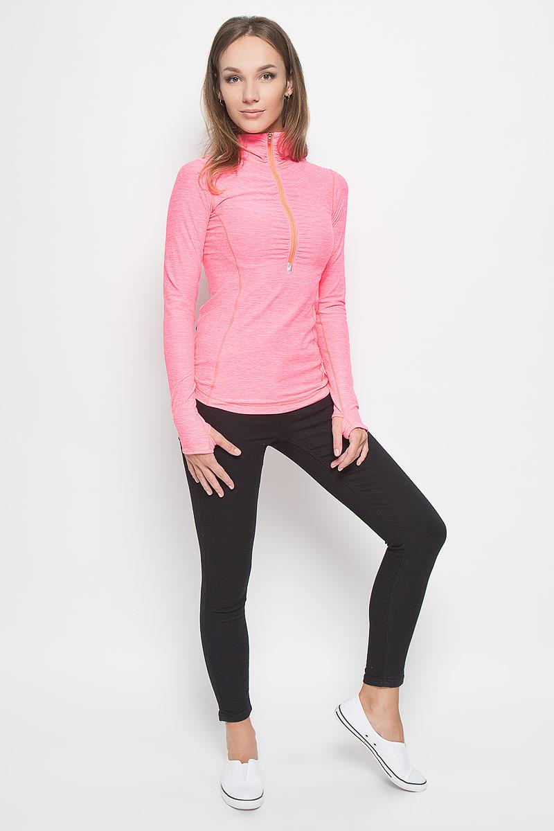 Лонгслив для бега женский New Balance, цвет: неоновый розовый. WT53110/GUH. Размер L (48)WT53110/GUHЖенский лонгслив New Balance, выполненный из мягкой эластичной ткани, идеально подойдет для бега и занятий фитнесом. Модель отлично сидит и обеспечивает максимальную свободу движений. Материал тактильно приятный, позволяет коже свободно дышать, отводит влагу и сохраняет тело в сухости. Плоские эластичные швы изделия не натирают кожу.Модель с длинными рукавами и воротником-стойкой застегивается спереди на молнию. На рукавах имеются прорези для больших пальцев. Сзади расположен прорезной карман на молнии.На изделии предусмотрены светоотражающие детали для безопасности в темное время суток. Лонгслив идеально прилегает к телу и подчеркивает достоинства фигуры, абсолютно не сковывая движений. Модель подарит вам комфорт в течение всего дня!