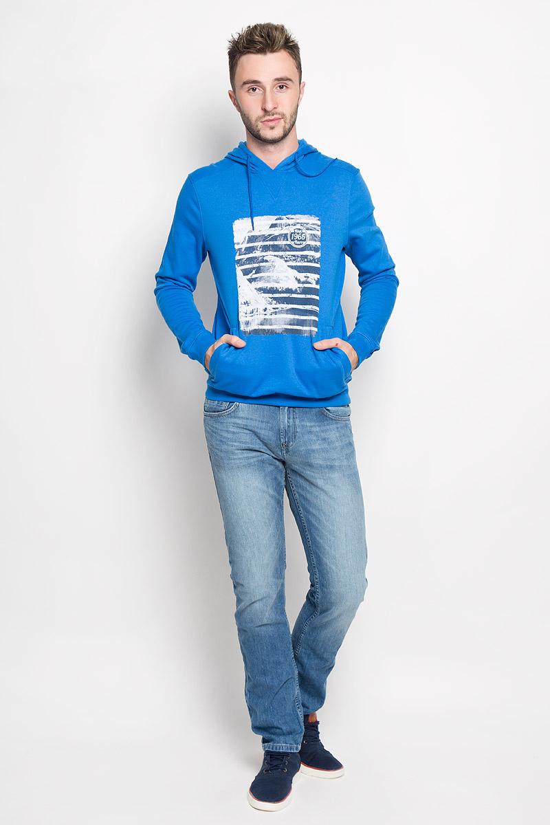 Толстовка мужская Finn Flare, цвет: синий. A16-22033_104. Размер L (50)A16-22033_104Мужская толстовка Finn Flare, изготовленная из высококачественного материала, необычайно мягкая и приятная на ощупь, не сковывает движения, обеспечивая наибольший комфорт. Толстовка с капюшоном на кулиске оформлена оригинальным принтом. Спереди модель дополнена двумя врезными карманами. Низ изделия и манжеты дополнены широкими трикотажными резинками.Эта модная и в тоже время комфортная толстовка отличный вариант, как для активного отдыха, так и для занятий спортом!