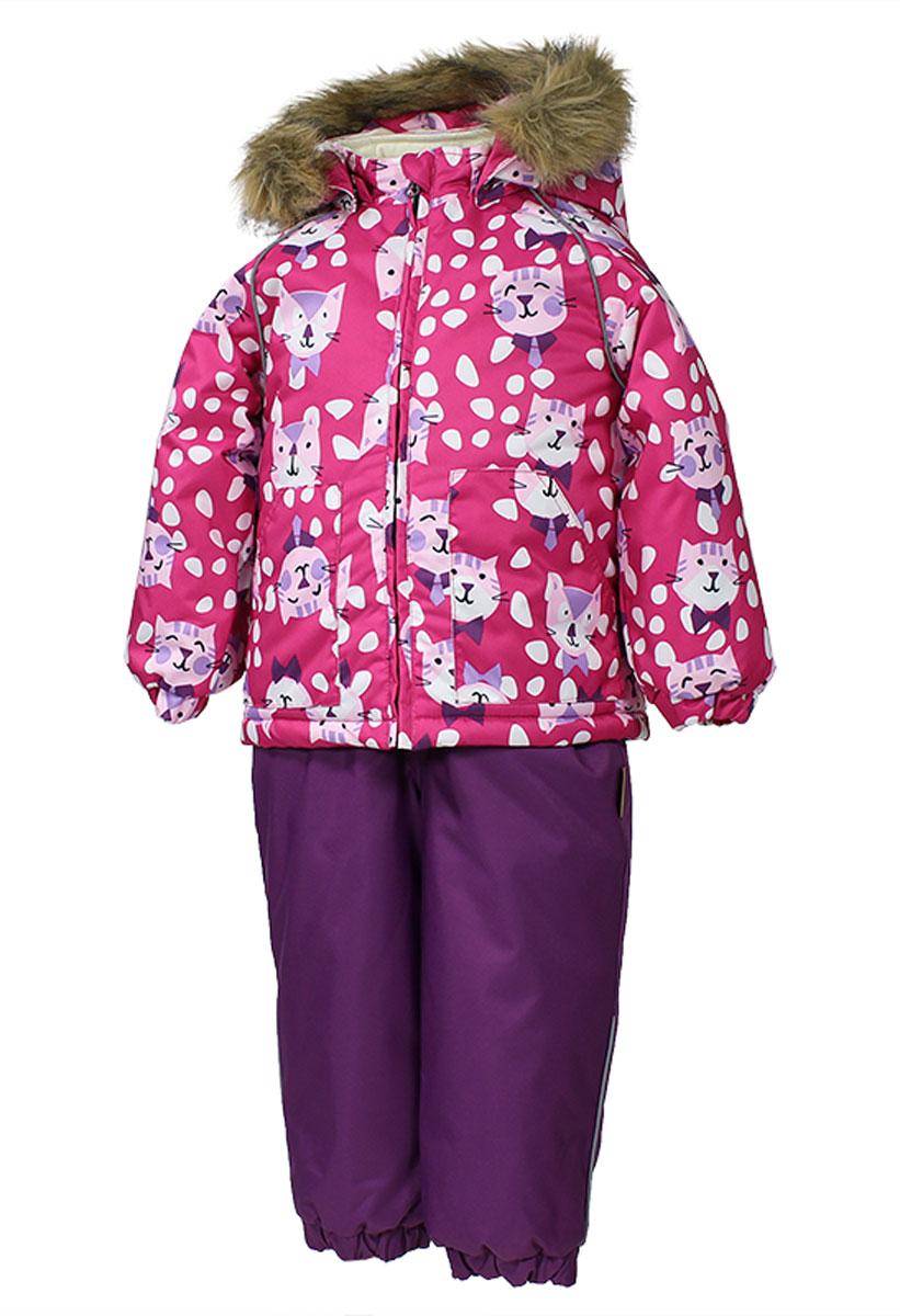 Комплект детский Huppa Avery: куртка, полукомбинезон, цвет: фуксия, лиловый. 41780030-63263. Размер 8041780030_63263Теплый комплект одежды Huppa Avery, состоящий из куртки и полукомбинезона, идеально подойдет для малыша вхолодное время года. Комплект изготовлен из водоотталкивающей и ветрозащитной ткани. Ткань собратной стороны покрыта слоем полиуретана с микропорами, который препятствует прохождению воды иветра, но в то же время позволяет испаряться влаге, выделяемой телом. Материал имеет высокие показателиизносостойкости. Сплетения волокон в тканях выполнены по специальной технологии, которая придает тканипрочность и предохраняет от истирания. В качестве наполнителя используется HuppaTerm - высокотехнологичныйлегкий синтетический утеплитель нового поколения. Уникальная структура микроволокон не позволяетпроникнуть внутрь холодному воздуху, в то же время удерживая теплый между волокнами, обеспечивая высокуютеплоизоляцию. Подкладка выполнена из мягкой и приятной на ощупь фланелевой ткани. Основные швыпроклеены водостойкой лентой. Изделие легко стирается и быстро сохнет. Куртка с капюшоном, воротником-стойкой и рукавами-реглан застегивается на пластиковую молнию сзащитой подбородка. Модель дополнительно оснащена внутренней ветрозащитной планкой. Капюшон в формеконуса, декорированный несъемной опушкой из искусственного меха, пристегивается к куртке при помощикнопок. На рукавах предусмотрены эластичные манжеты, препятствующие проникновению холодного воздуха.Спереди расположены два накладных кармашка. Оформлено изделие принтом с изображением забавныхмордашек котиков. Полукомбинезон спереди застегивается на пластиковую молнию и имеет внутреннюю ветрозащитнуюпланку. Модель дополнена эластичными наплечными лямками, регулируемыми по длине. На спинке по линииталии полукомбинезон присборен на широкую резинку, которая позволяет надежно заправить водолазку илисвитер. Снизу брючин имеются эластичные манжеты и съемные трикотажные штрипки, надевающиеся на ступню ине дающие комбине